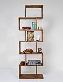 Librería colonial cubos rectangulares