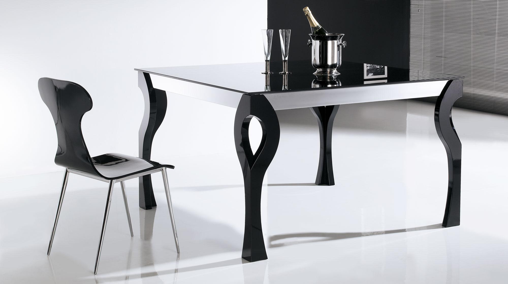 Mesa de comedor extensible moderna xona en cosas de for Disenos de mesas de comedor modernas