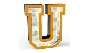 Aplique letra U amarillo