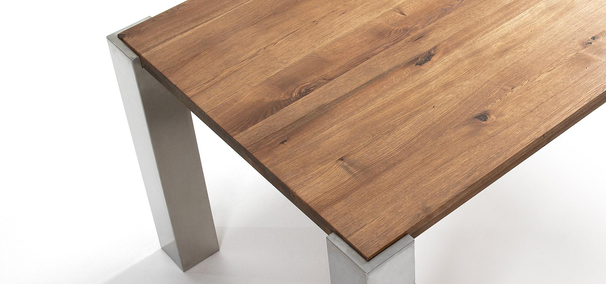 Mesa de comedor patas acero y roble natural en Portobellostreet.es
