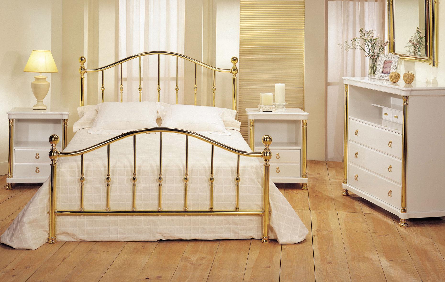 Dormitorios dorados beautiful dormitorio blanco azul foto - Dormitorios dorados ...