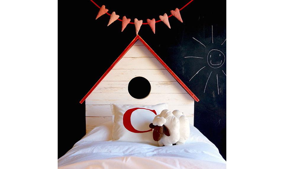 Cabecero infantil con forma casita