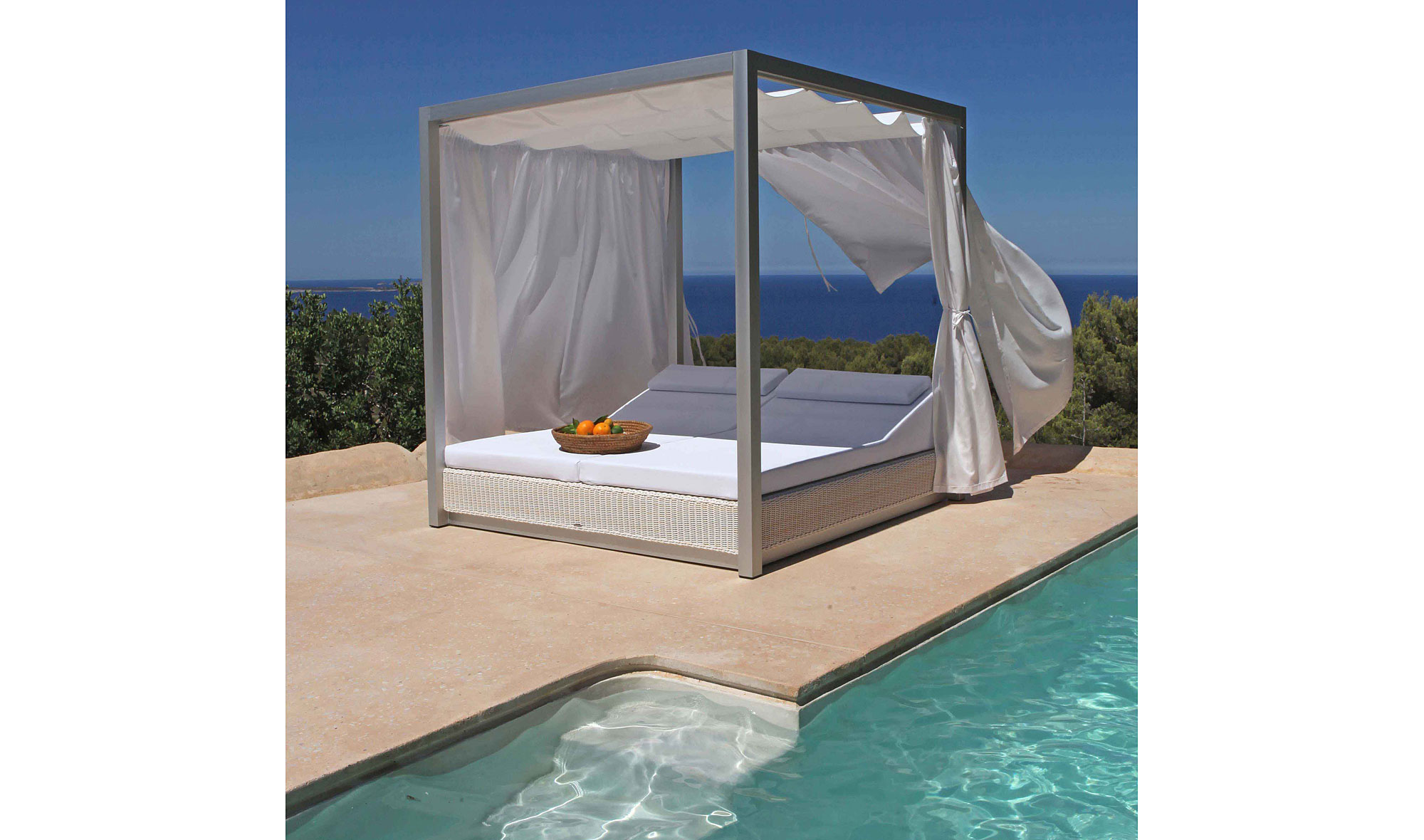 Cama balinesa sunset en for Camas de exterior