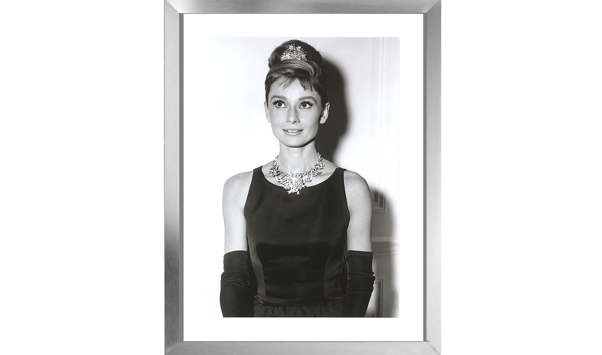 Cuadro Audrey Hepburn Con Tiara Marco En Aluminio De Lujo En  # Hepburn Muebles
