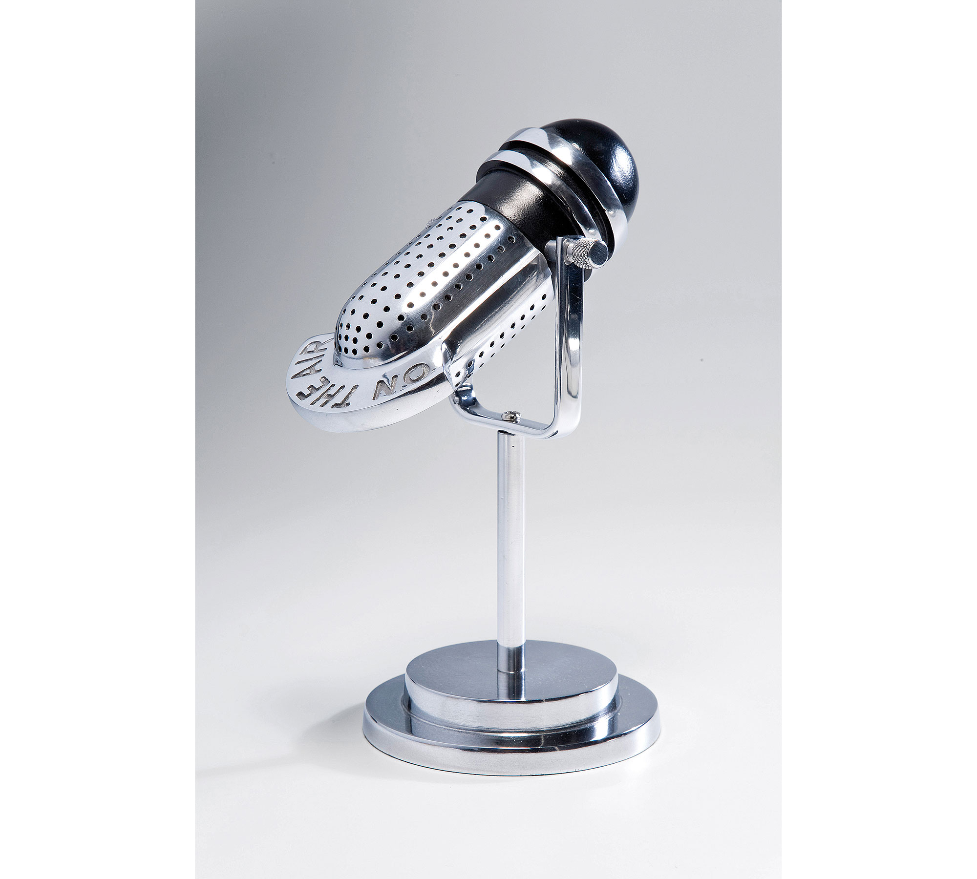 Figura Microphone On The Air