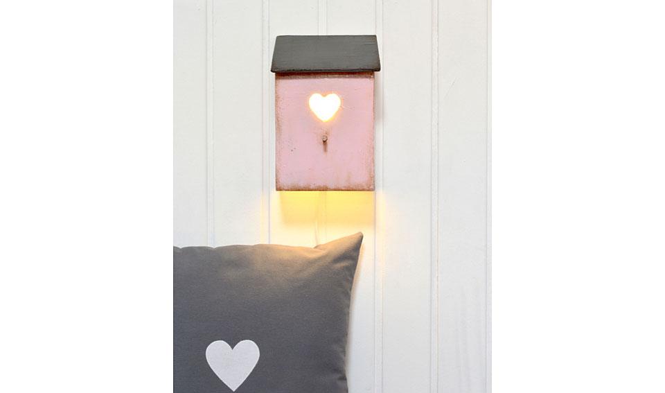 Lampara casita corazon color rosa