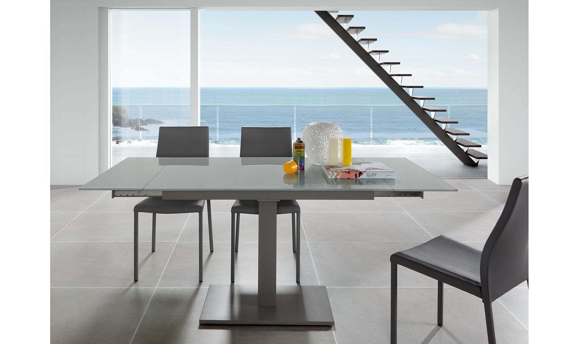Mesa de comedor extensible moderna nelso no disponible en for Mesa cristal gris