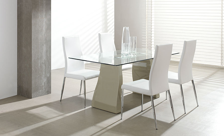 Mesa de comedor estelle no disponible en for Decorar una mesa de comedor de cristal