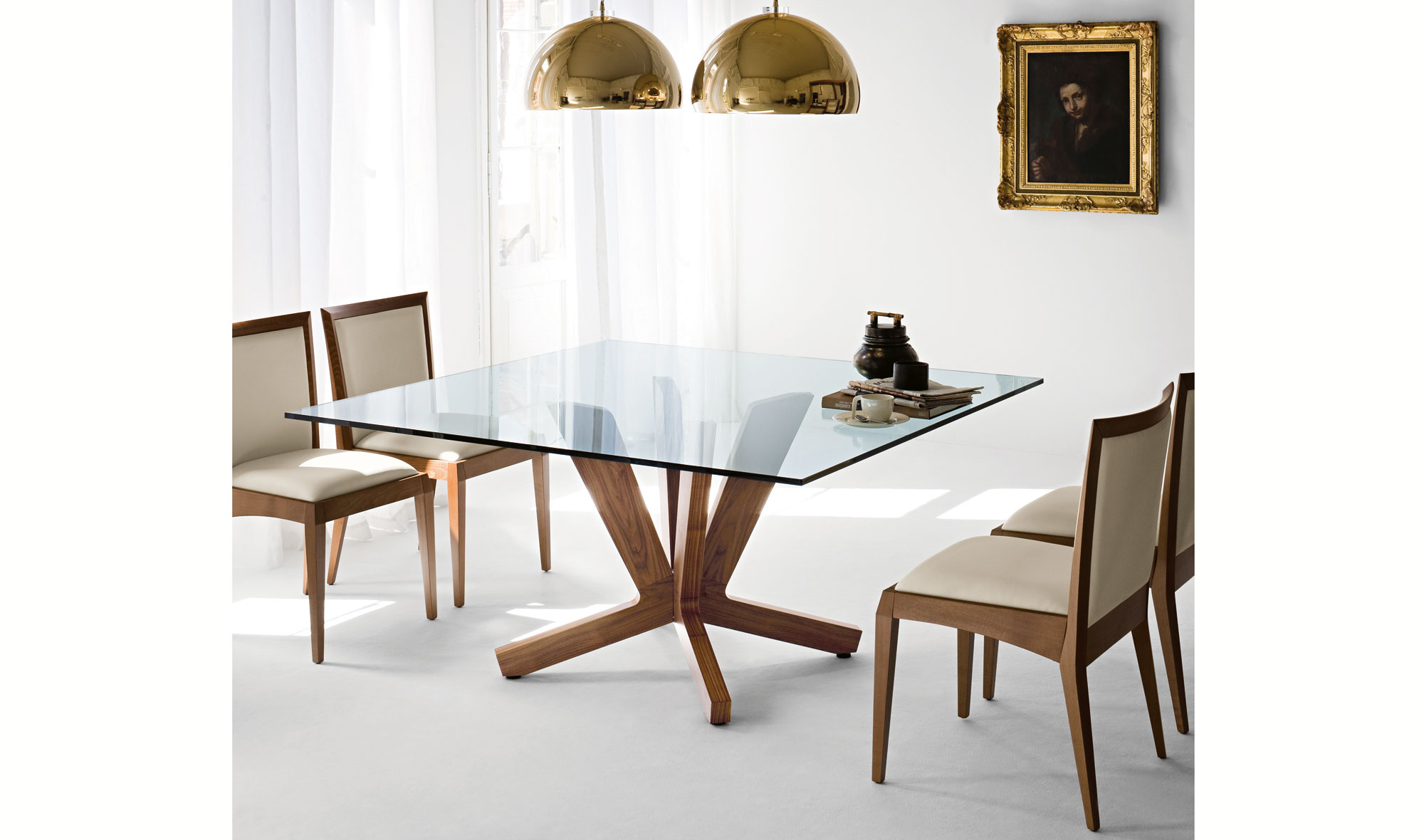 Mesa de comedor cuadrada moderna goblin en for Muebles de comedor mesas