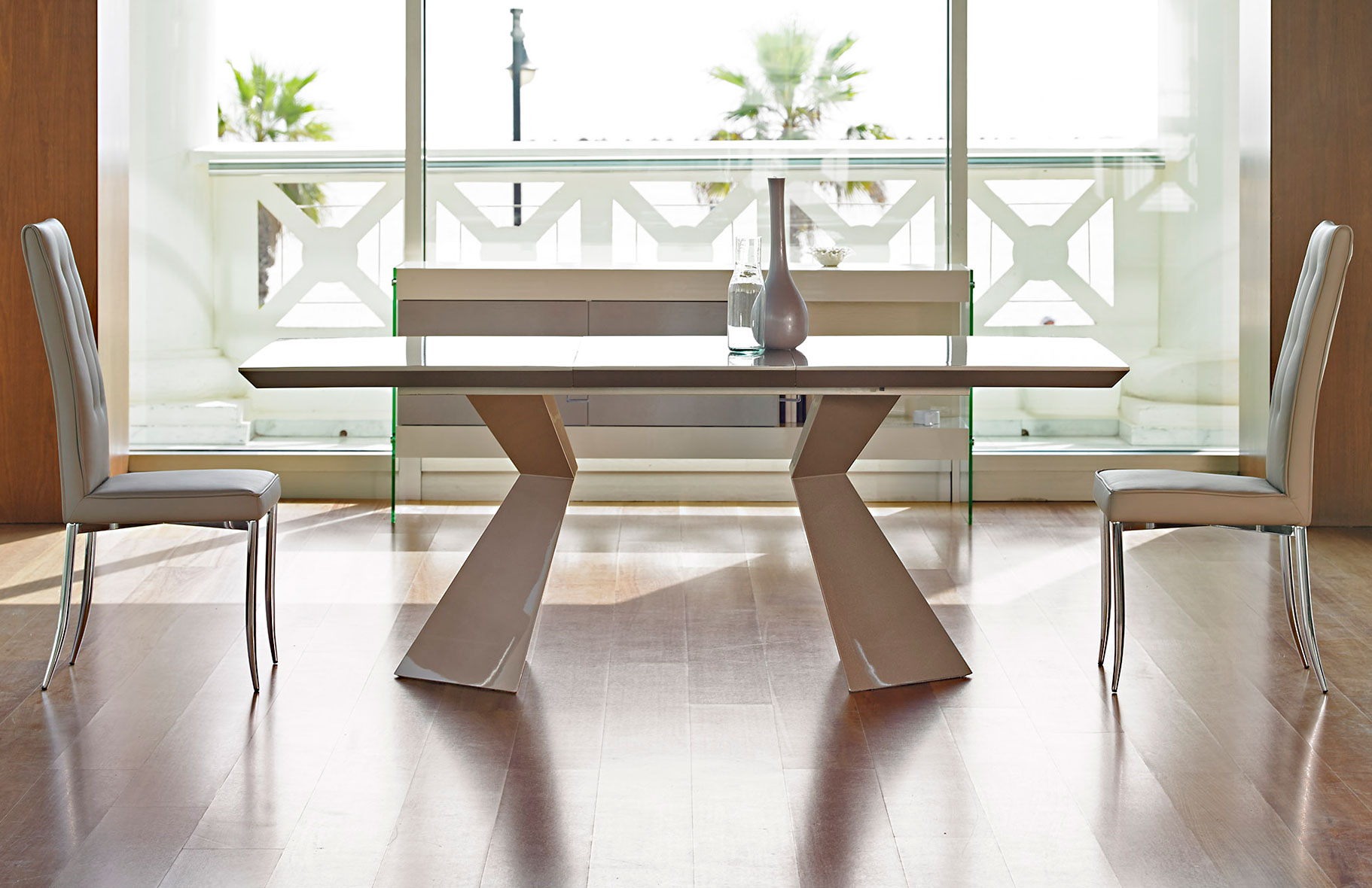 Mesa de comedor extensible moderna nasca no disponible en for Muebles mesas de comedor