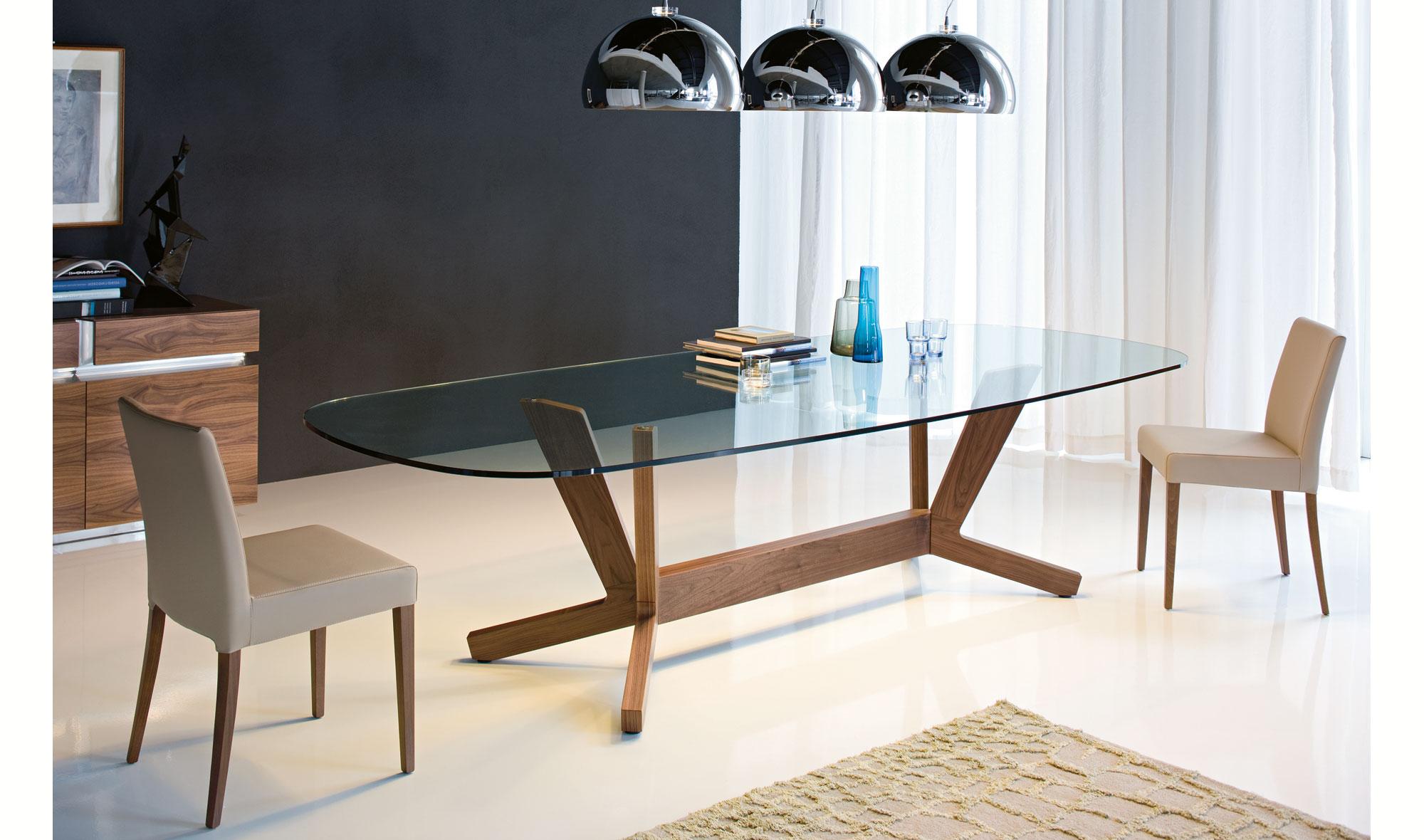 Mesa de comedor ovalada moderna goblin cattelan de lujo en for Mesas de comedor cuadradas modernas