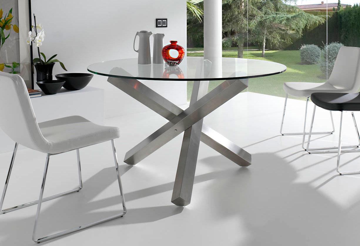 Mesa de comedor redonda moderna vedaric en cosas de for Disenos de mesas de comedor modernas