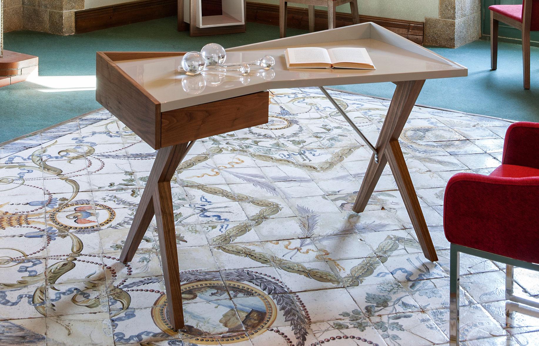 Mesa de escritorio moderna zenli en for Mesa escritorio moderna