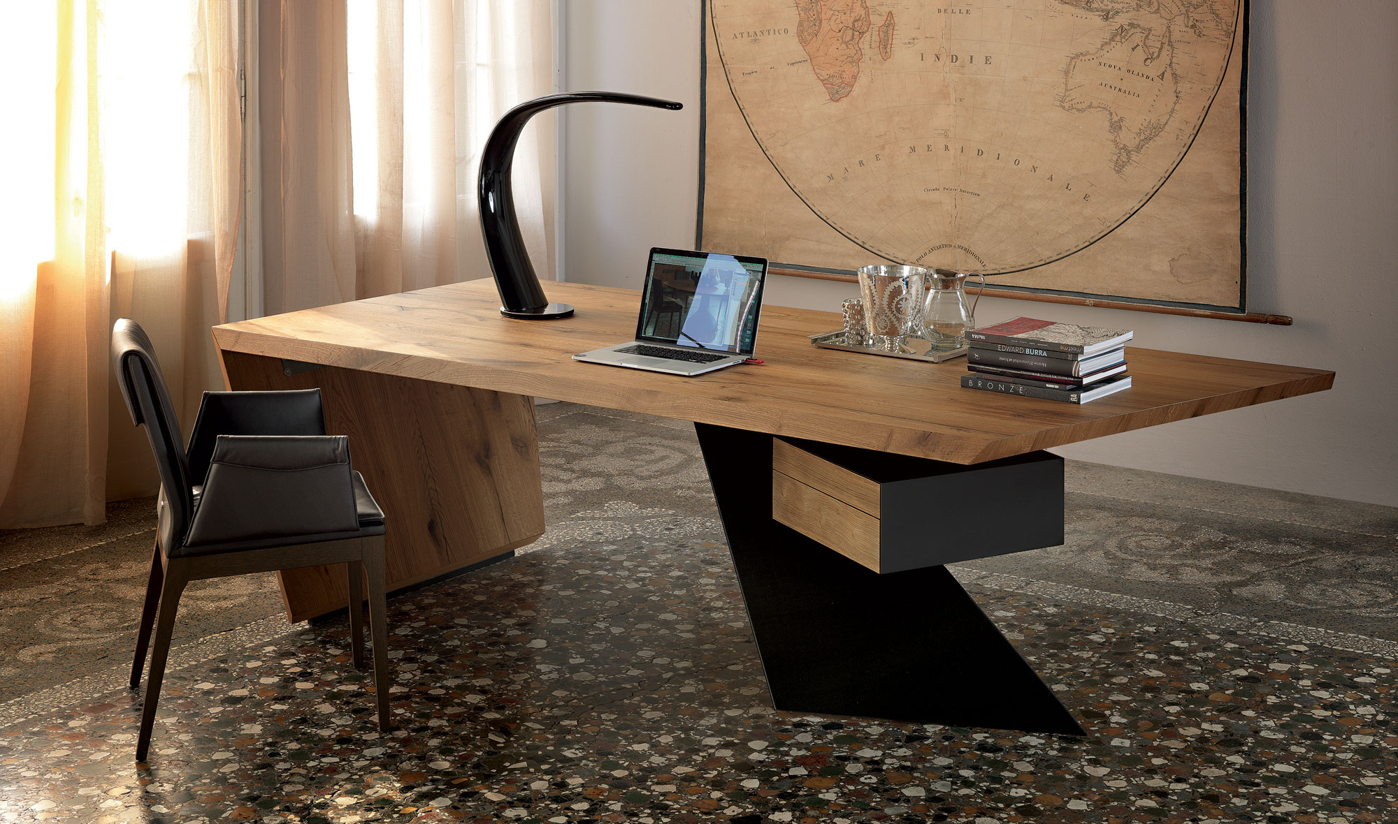 Mesa de escritorio moderna nasdaq cattelan en for Mesa escritorio moderna