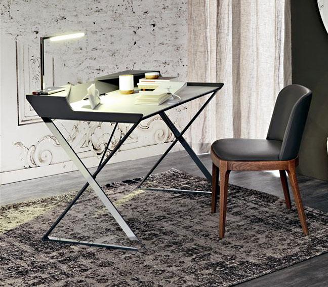 Mesa de escritorio moderna qwerty cattelan en tu tienda de - Mesa escritorio moderna ...