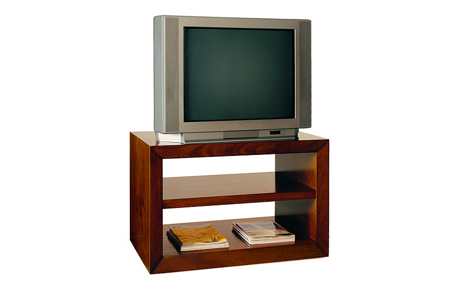 Mueble tv con ruedas cl sico pascal en for Muebles auxiliares para television