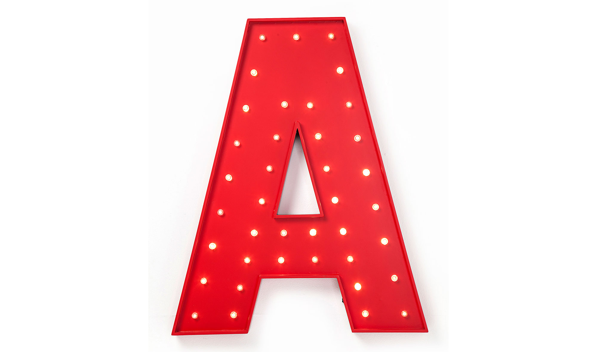 Letra luminosa LED A roja