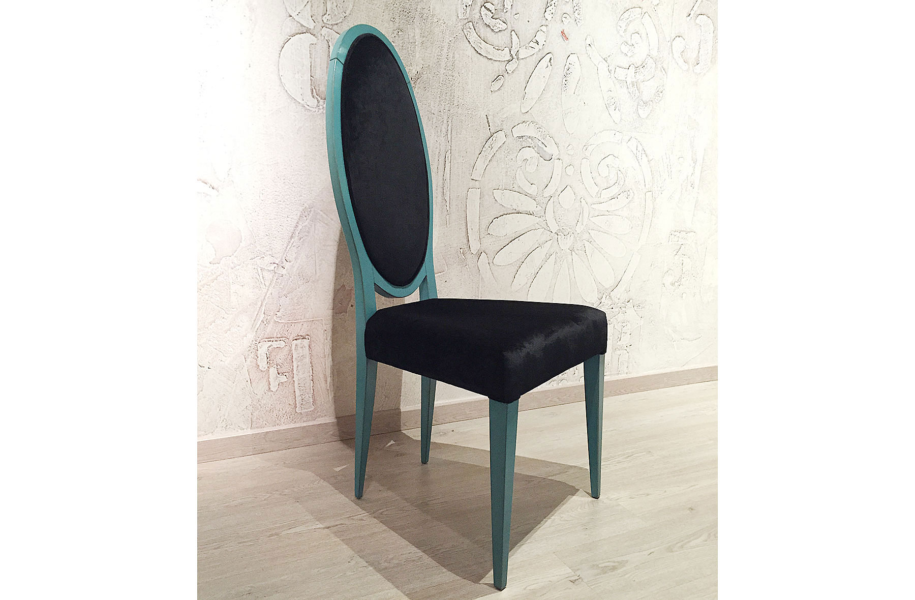silla riviera turquesa terciopelo negro en