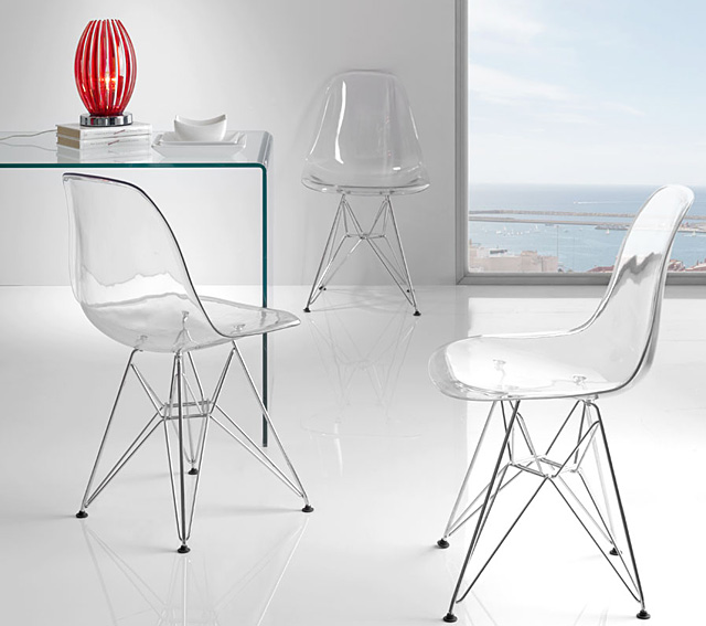 Set 2 sillas modernas transparentes no disponible en for Table salle manger transparente
