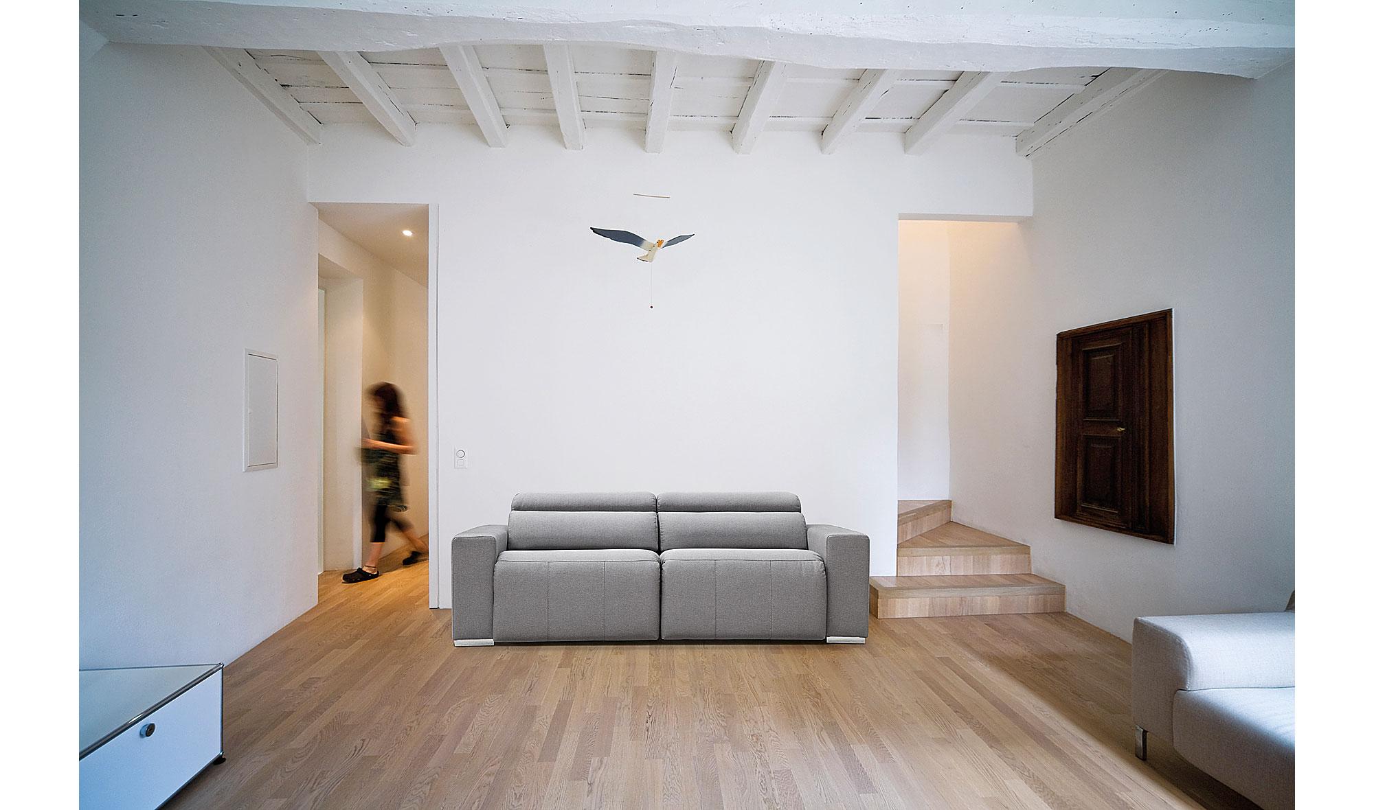 Sofa cama moderno nicolas en cosas de arquitectoscosas de - Camas diseno moderno ...