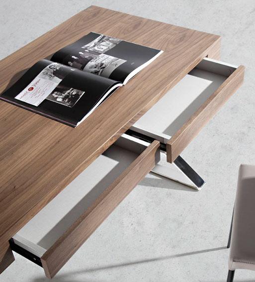 Mesa de escritorio moderna baikal en cosas de for Mesa escritorio moderna