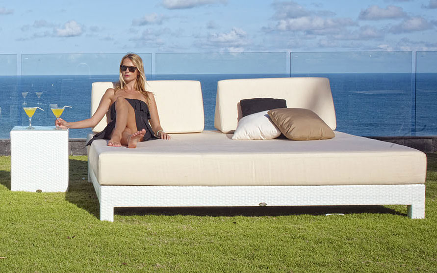 Cama chill out de jard n melqui en for Muebles chill out exterior