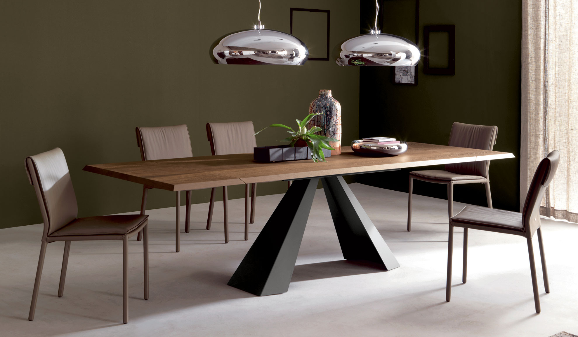 Mesa comedor extensible eliot cattelan en for Mesas y sillas de salon modernas