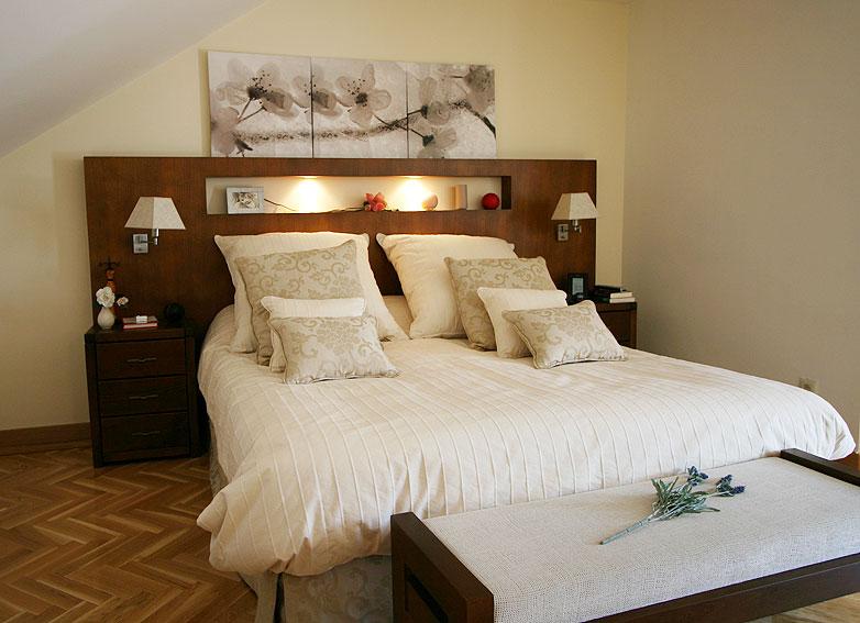 Dormitorio panel de madera no disponible en - Cabeceros coloniales ...