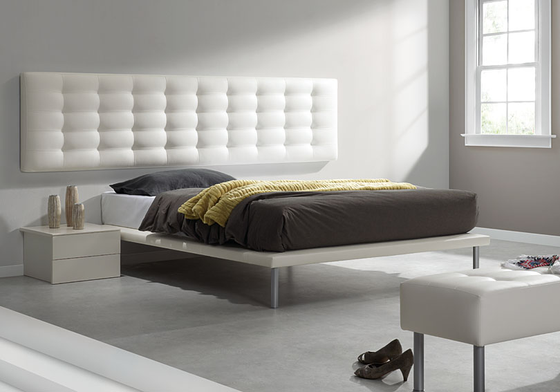 Cabecero colonial piel rec en for Cabeceros de cama tapizados