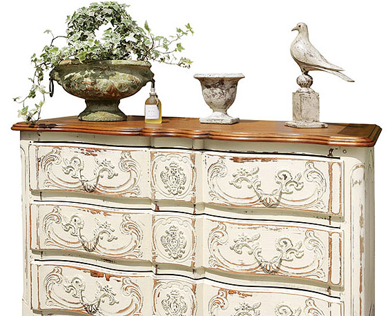 C mo darle un nuevo a acabado a un antiguo mueble - Como pintar muebles antiguos ...