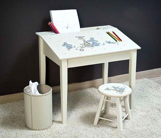 mesa de escritorio infantil y taburete no disponible en